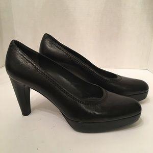 Elegant Black  Stuart Weitzman Platform Heel